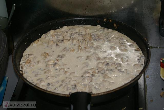 сливочный соус рецепт курица грибы  — 081. Курица с грибами под сливочным соусом (рецепт)