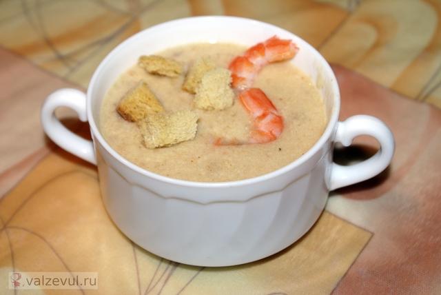 сырный суп пюре рецепт королевские креветки  — 105. Сырный суп пюре с королевскими креветками и гренками (рецепт)