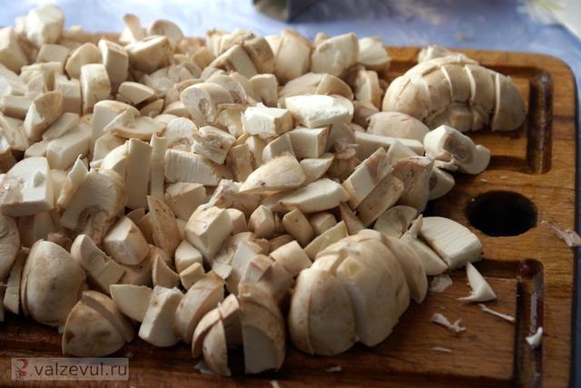 рецепт первое блюдо мясо горшочки  — 124. Горшочки с мясом и грибами (рецепт)