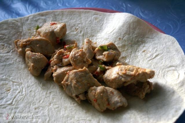 тако острые блюда национальная кухня мексиканская кухня курица закуски бутерброды  — 128. Тако с курицей и перцем чили (мексиканский рецепт)