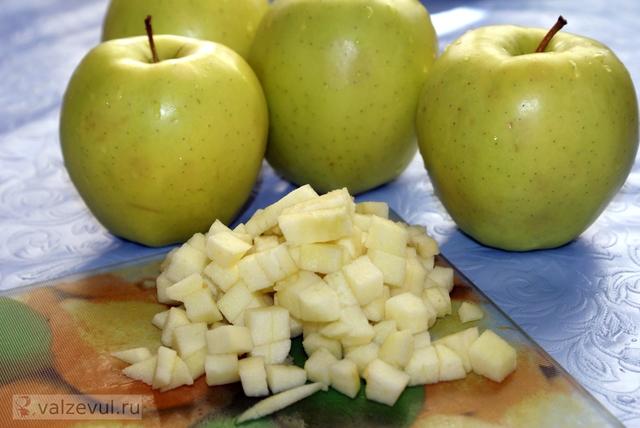 штрудель с яблоками штрудель сладкое рецепт штруделя национальная кухня летние рецепты летние блюда австрийский рецепт  — 136. Яблочный штрудель из теста фило (австрийский рецепт)