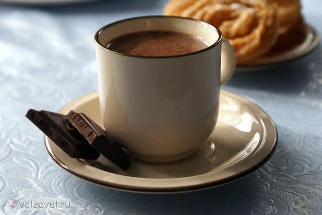 чуррос с горячим шоколадом чуррос рецепт испанская кухня испания десерт горячий шоколад Jorge de Angel Moliner  — 154. Чуррос с горячим шоколадом (испанский рецепт Chocolate con churros)