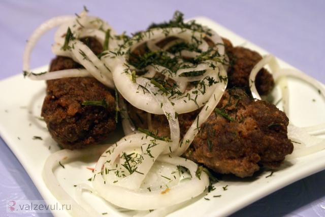 рецепт наршараб маринованный лук люля кебаб кавказ грузинская кухня азербайджанская кухня абхазская кухня  — 160. Люля кебаб с маринованным луком (азербайджанский рецепт)