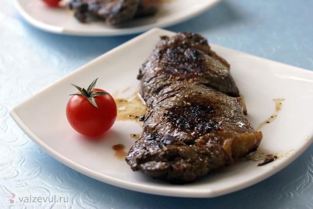 стриплойн стейк рецепт мясо мраморная говядина  — 162. Стейк из мраморной говядины (рецепт)